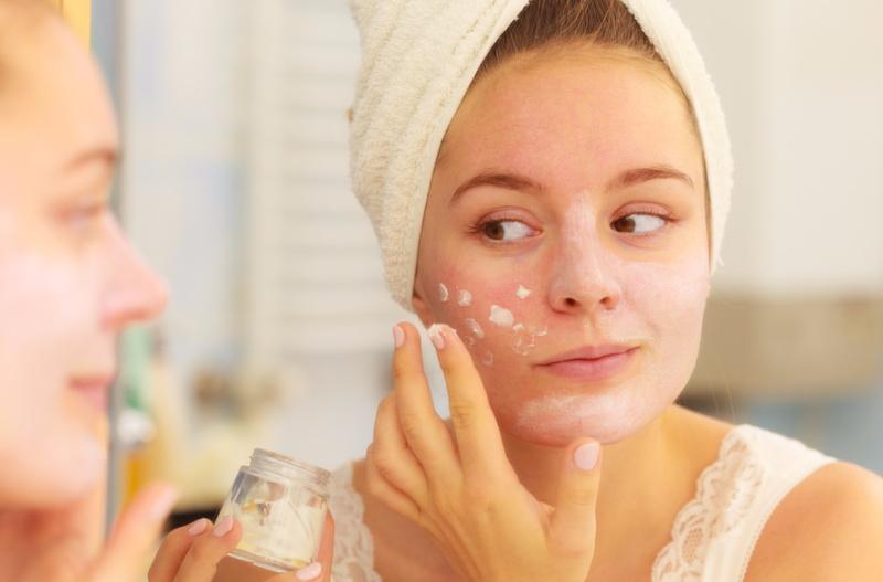 زیرسازی آرایش و انتخاب کرم مرطوب کننده